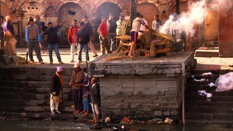 Leichenverbrennung in Kathmandu