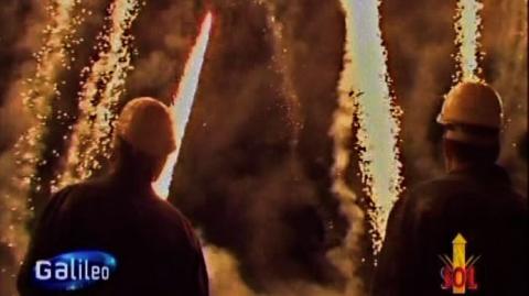 Gefährlicher Job: Feuerwerker an den Abschussrampen